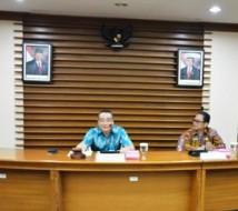 Waka BKN Bima Harya Wibisana (kiri) sedang membuka rapat Konsinyasi finalisasi penyusunan HSB