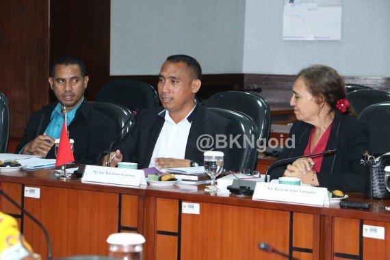 Anggota Komisi, Jose(tengah). (foto: kis)