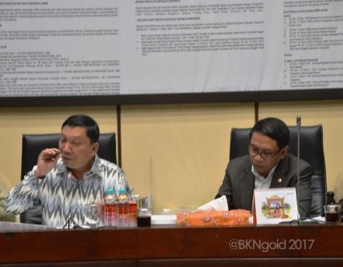 Rapat dipimpin Wakil Ketua Komisi II dari fraksi Demokrat Fandi Utomo. (Foto: aman)