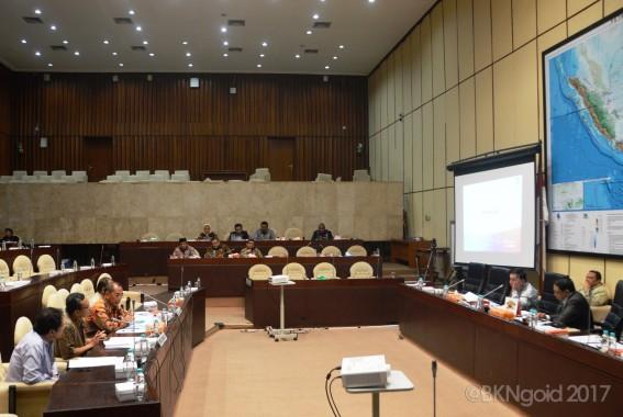 Rapat Dengar Pendapat (RDP) bersama Komisi II  DPR RI (foto: aman)